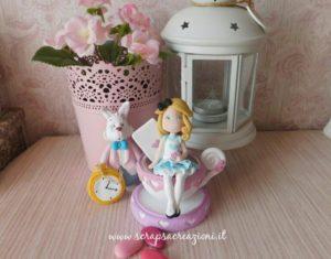 Cake topper di Alice nel paese delle meraviglie e Bianconiglio