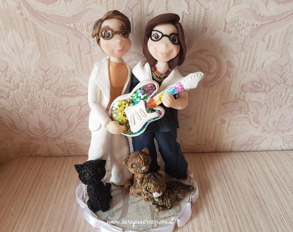 cake topper unioni civili donne musica e gatti