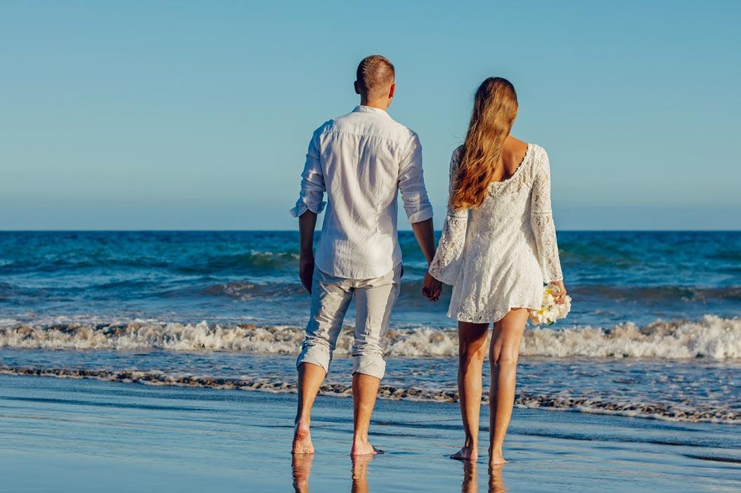 Sposarsi all'estero, come fare? Consigli, idee e destinazioni per matrimonio in spiaggia