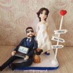 statuine sposi divertenti per torte nuziali simpatiche con computer