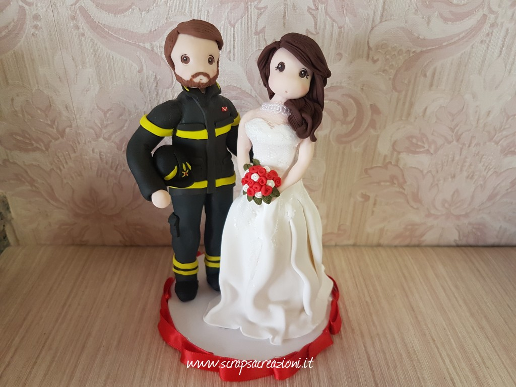 cake topper sposi in divisa