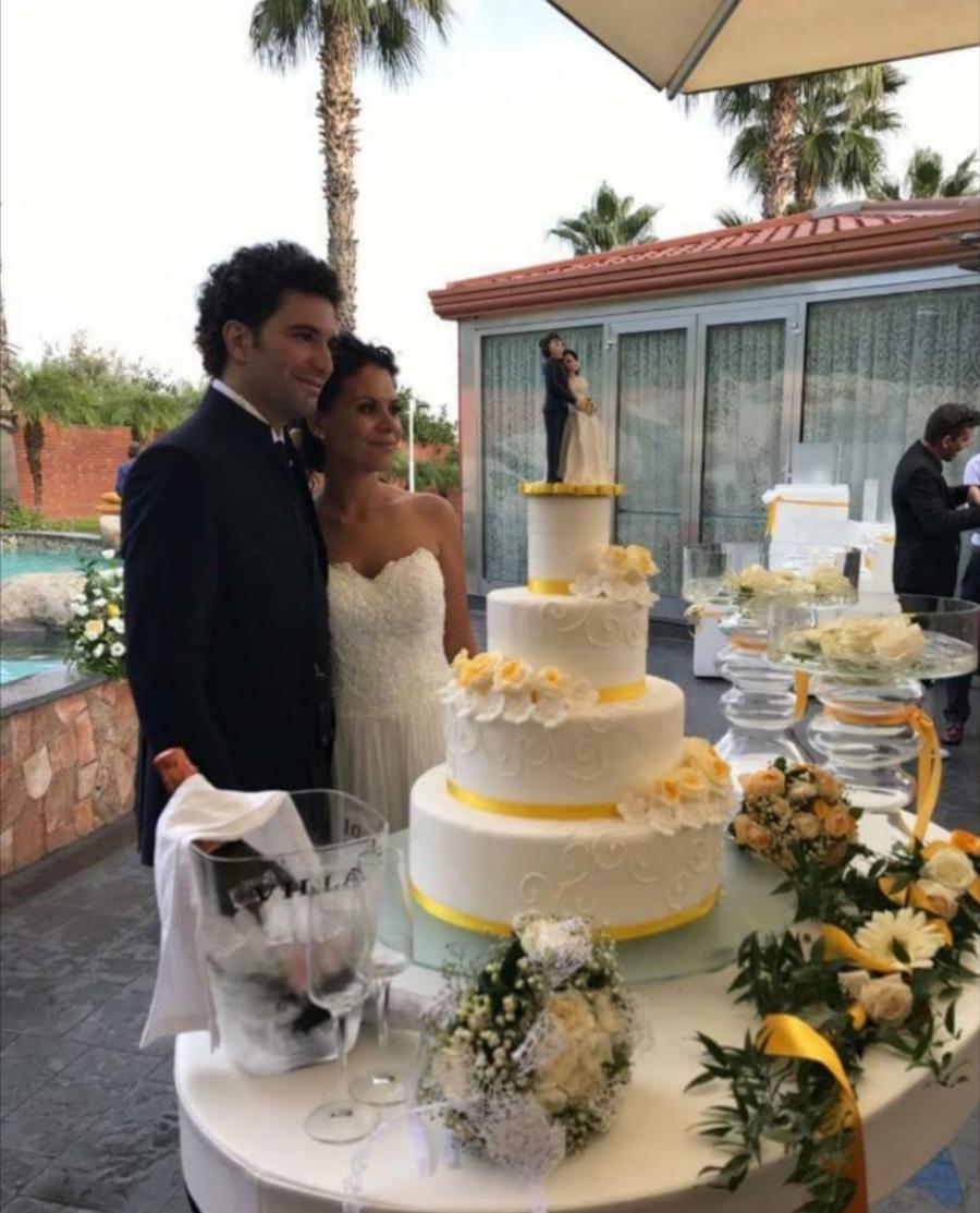torta matrimonio elegante giallo
