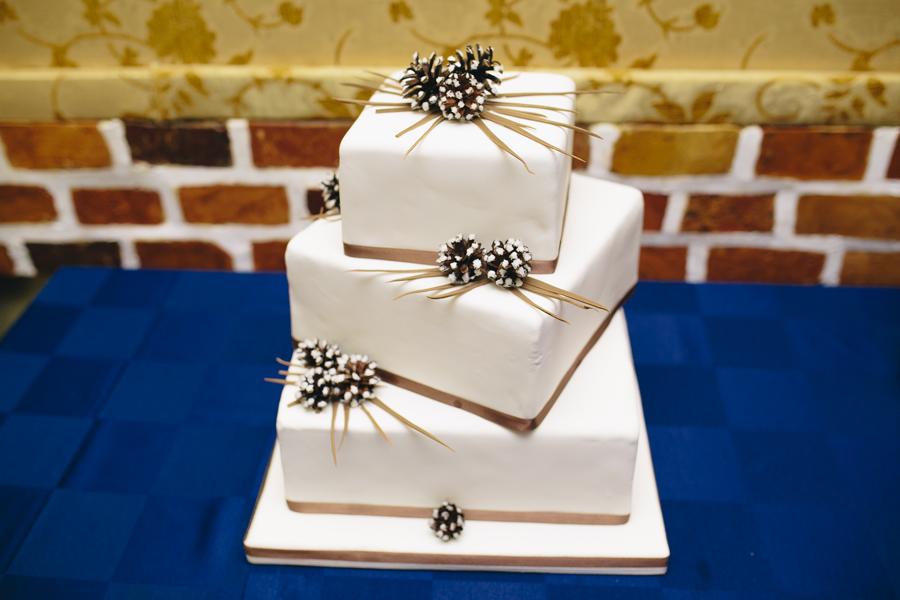 torta matrimonio moderna quadrata multipiano
