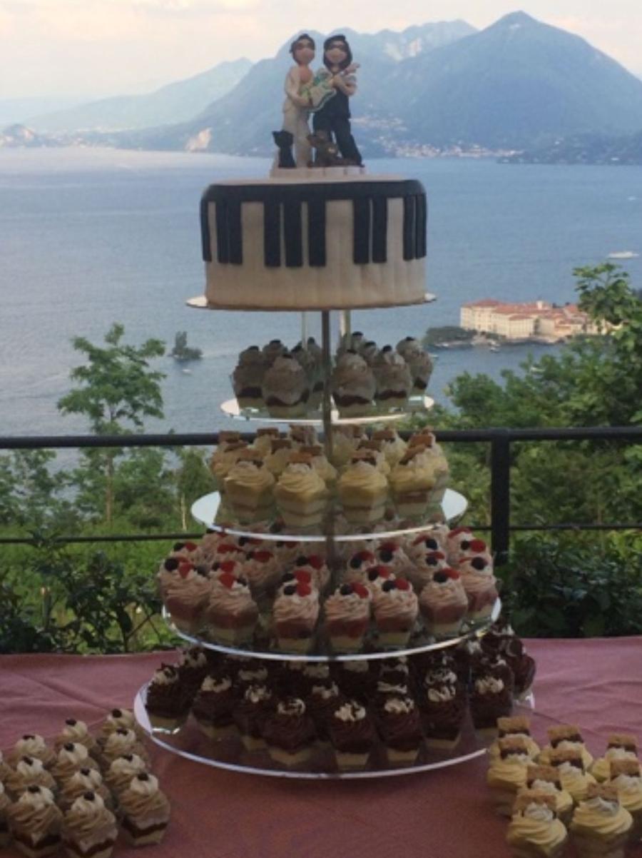 torta matrimonio originale cake topper musica