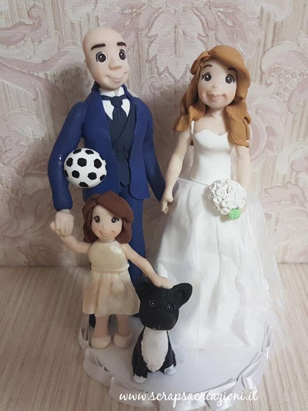 cake topper sposi con bambina e cane