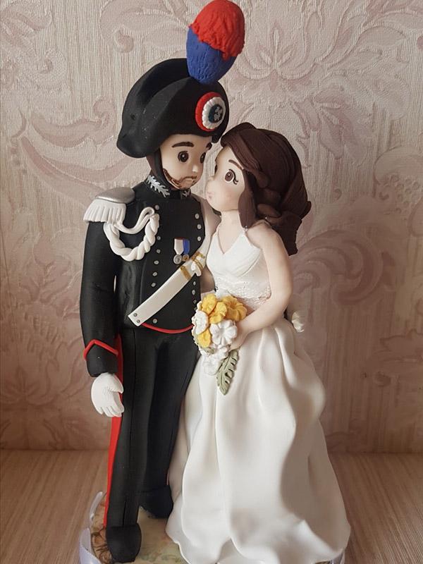 cake topper sposi personalizzato con divisa realistico