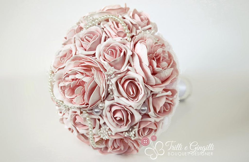 bouquet sposa alternativo rose e perle