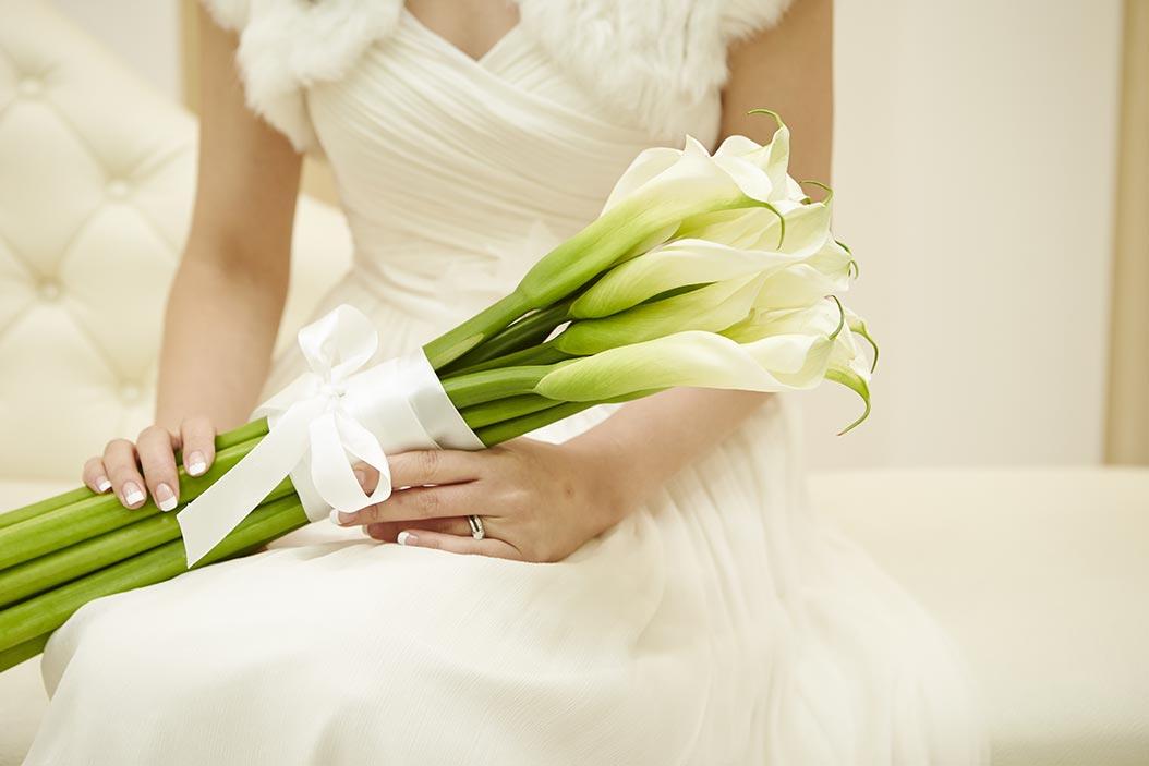 bouquet di calle con stelo lungo