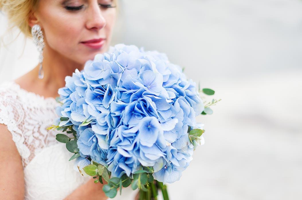 bouquet monofiore di ortensia celeste