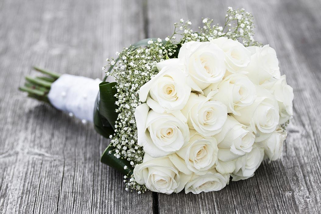 bouquet sposa tondo piccolino rose bianche