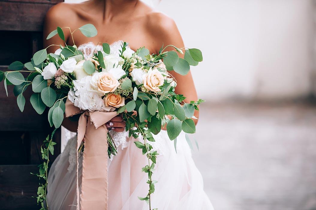 bouquet sposa voluminoso colori pastello