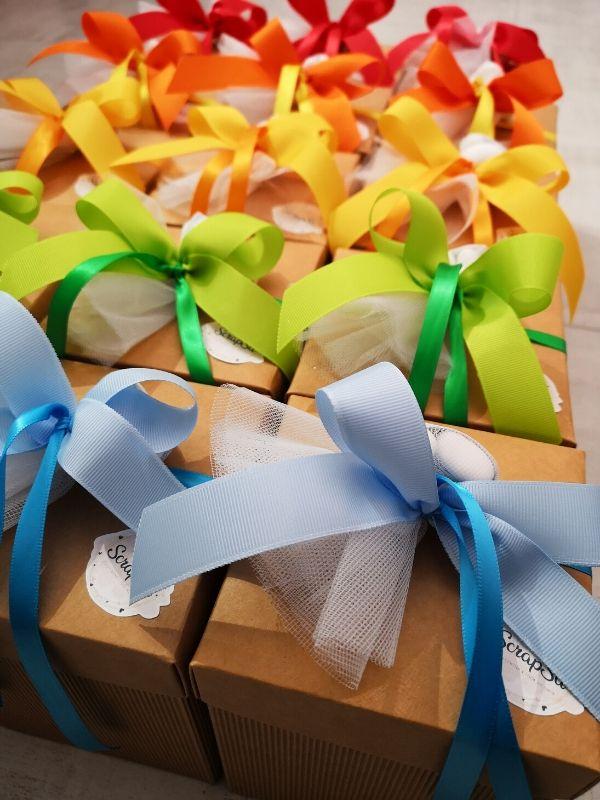 confezione bomboniere colorate
